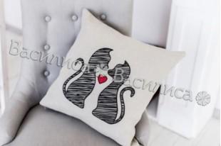 Подушка Кошки
